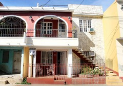 Hostal Ramirez B&B