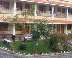 KARTHIKA PLAZA TOURST RESORT B&B