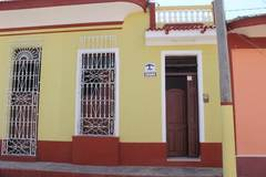 Hostal Aliuska Escalante  B&B